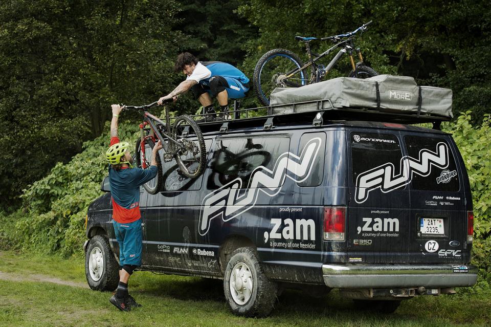 ,ZAM 3 – Gaspi & Geoff Gulevich v ÈR