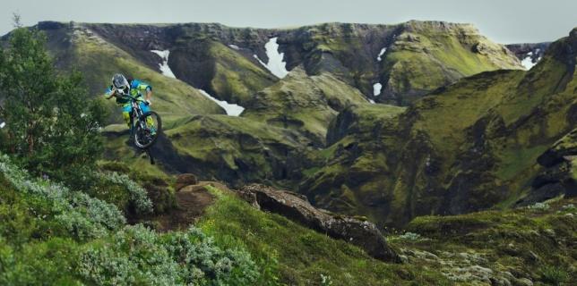 into-the-dirt-iceland-florian-berghammer-start