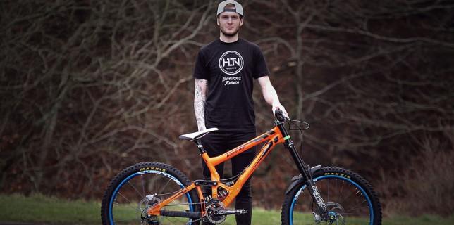 Lewis Buchanan posílí Banshee Bikes Factory Team
