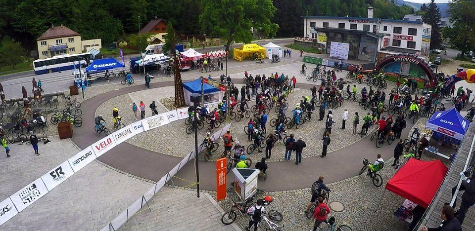 Enduro-Race-Kouty-Andrea-Drengubakova-start