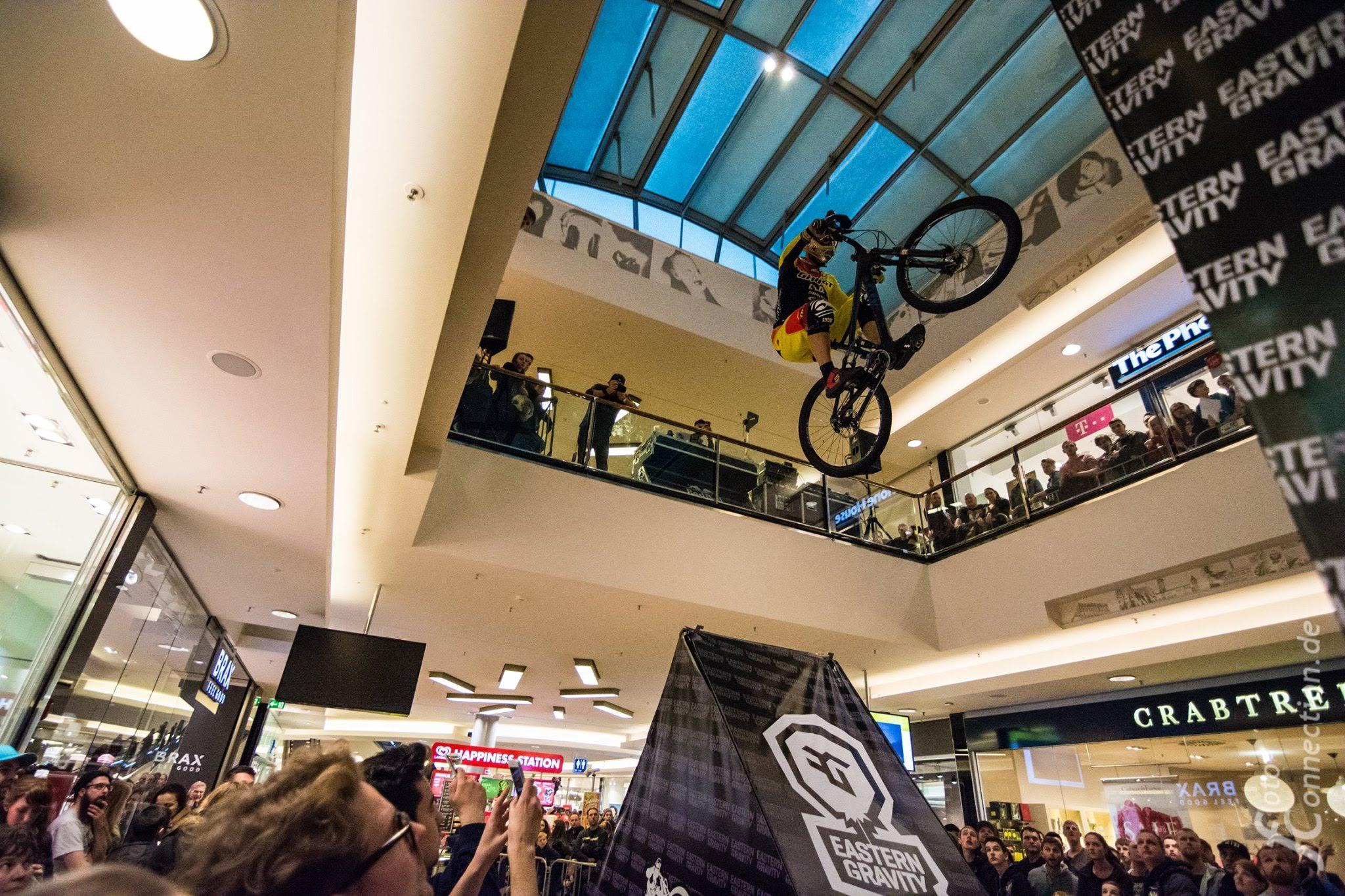 Down Mall Tour 2016 - Hanover (TomᚠSlavík)